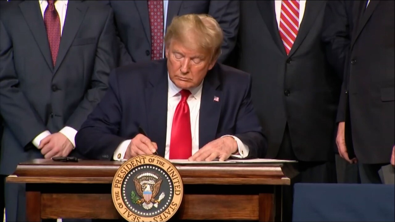 Trump Signs Presidential Memorandum