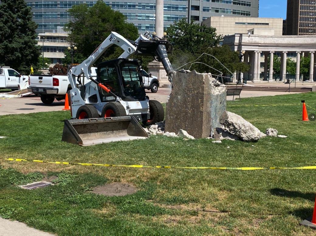 Christopher Columbus Civic Center Park statue_removing base