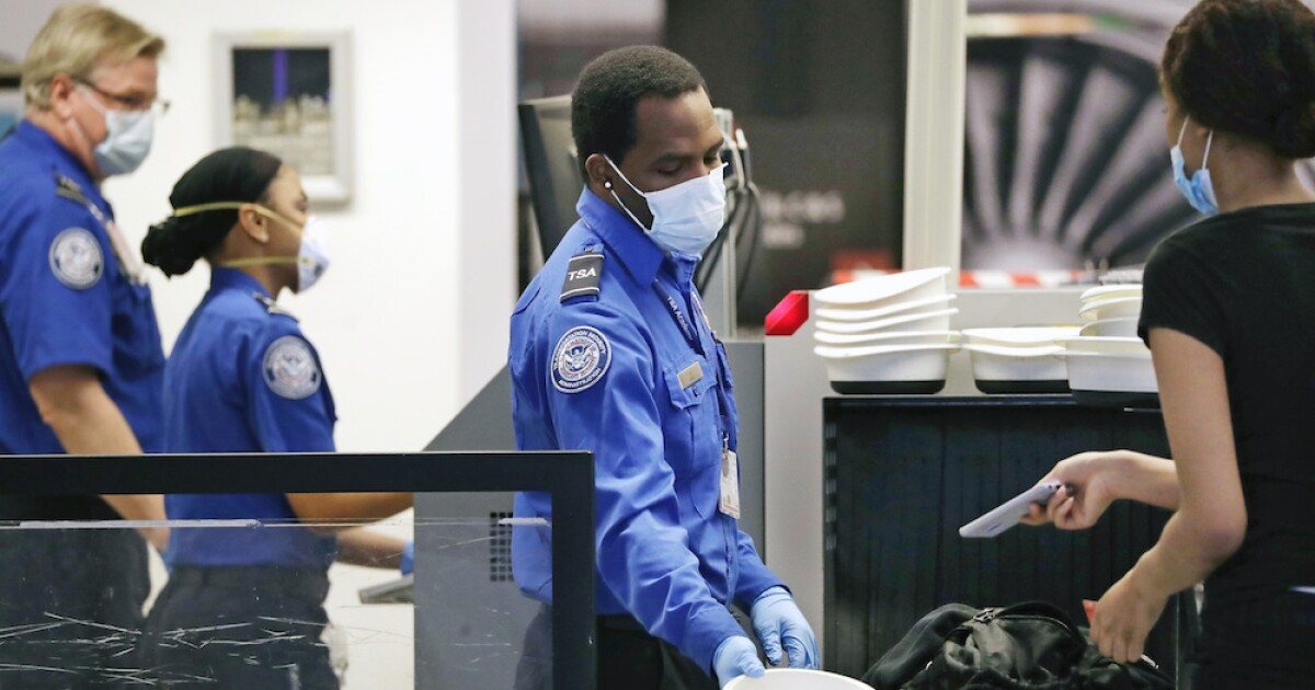 For first time since Christmas, TSA screened less than 1M travelers at airports in U.S.