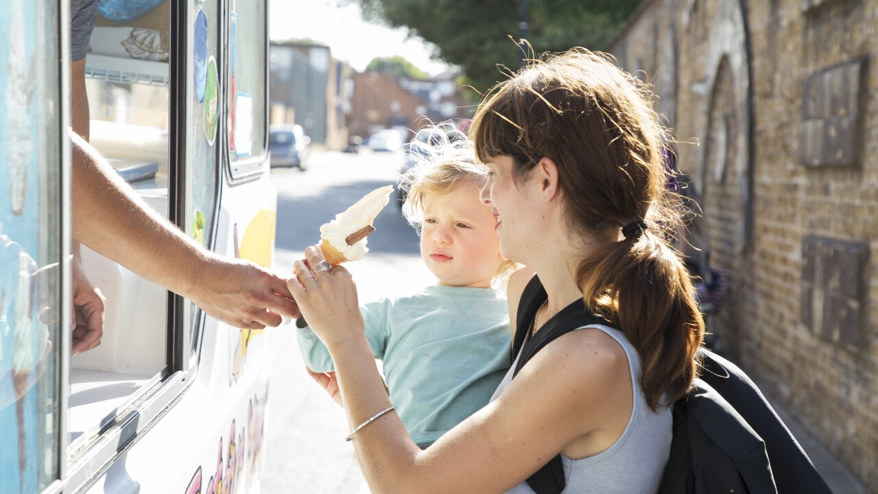 Norfolk Police serve ice cream, community through 'End of Summer COPsicle Tour'