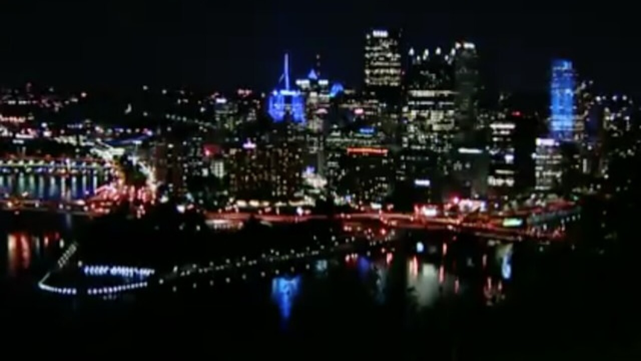 Blue light shines in Pittsburgh as tribute to synagogue shooting victims