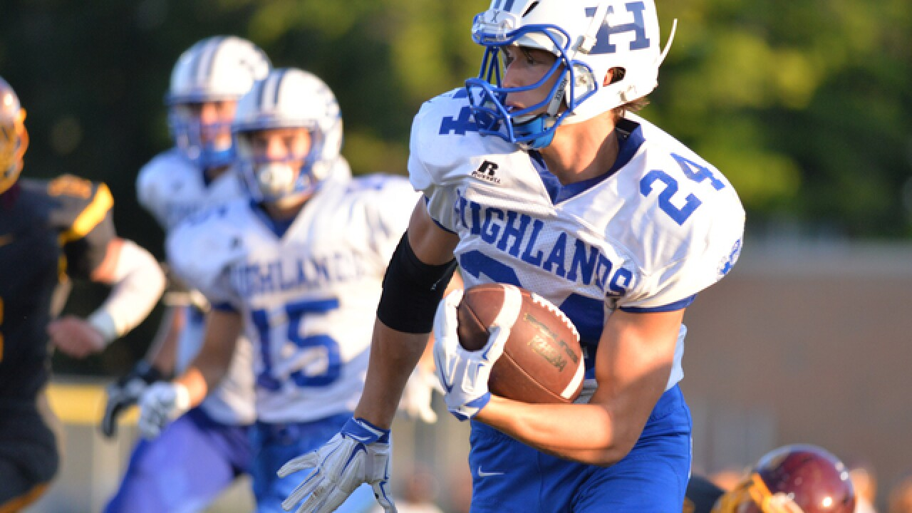 PHOTOS: Cooper shocks Highlands