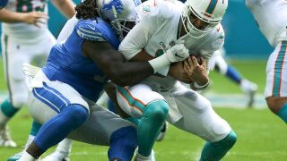 Dolphins defeated by Lions 32-21, give up 457 total yards