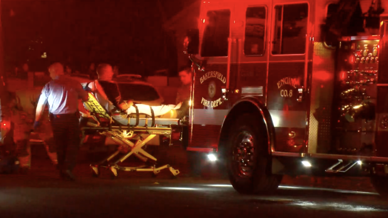 Firefighter injured while battling garage fire in East Bakersfield