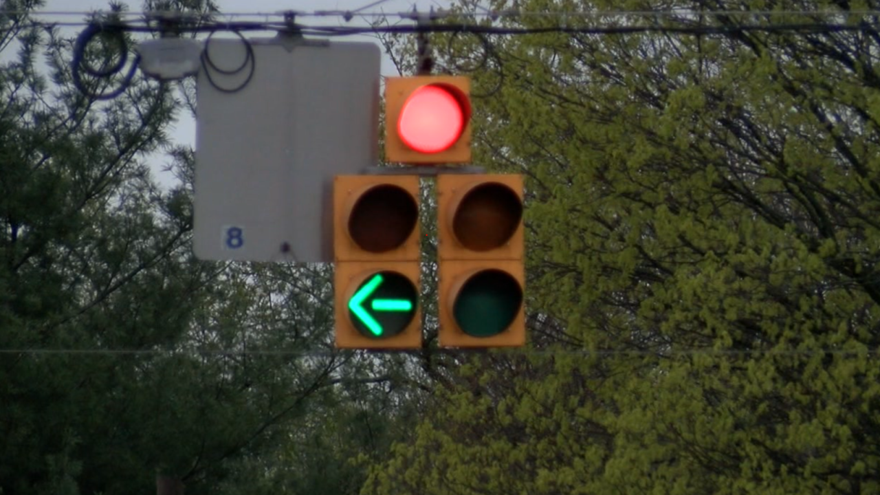 Mooresville traffic light.PNG