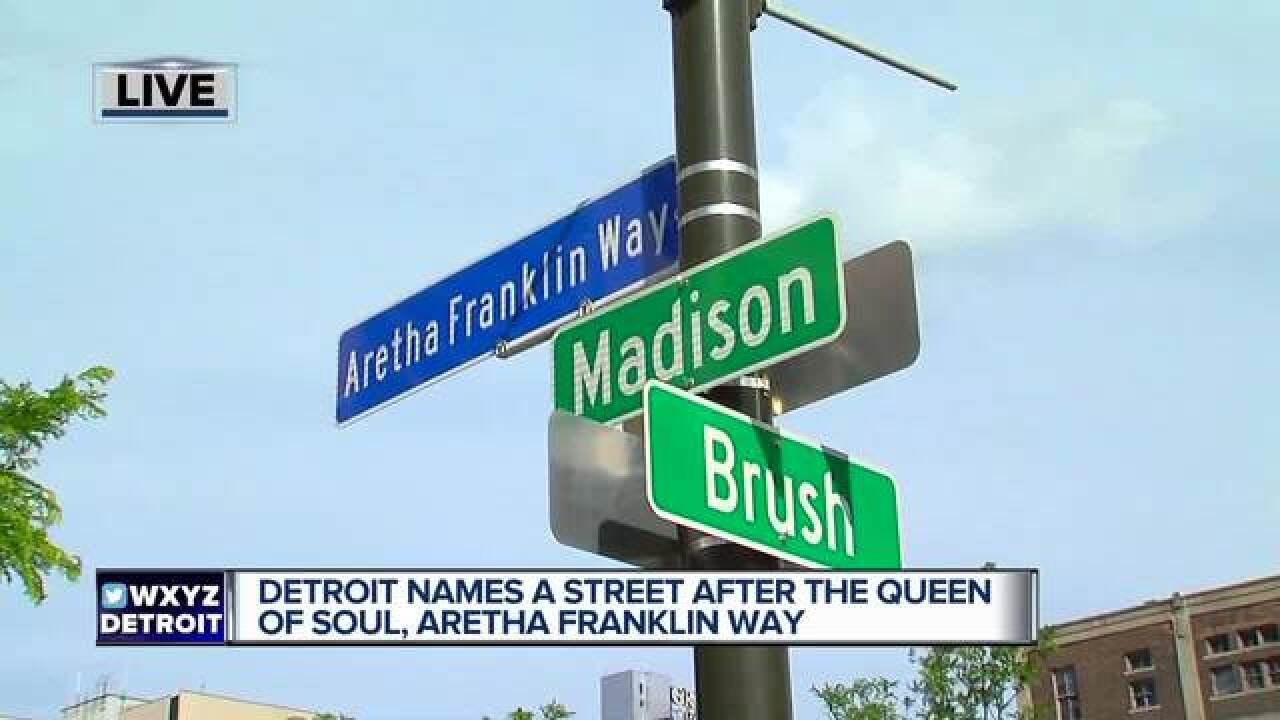 Aretha emotional as Detroit honors her w/ street