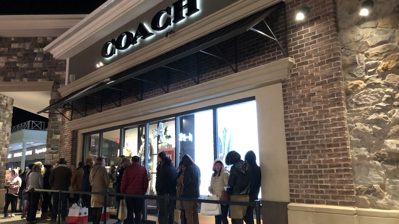 Shoppers across Hampton Roads cashing in on Black Fridaydeals