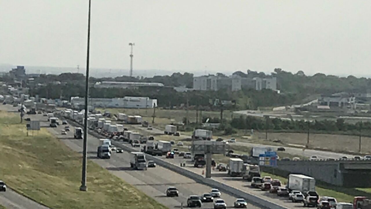 Traffic stalled on I-35 after 2 separate accidents