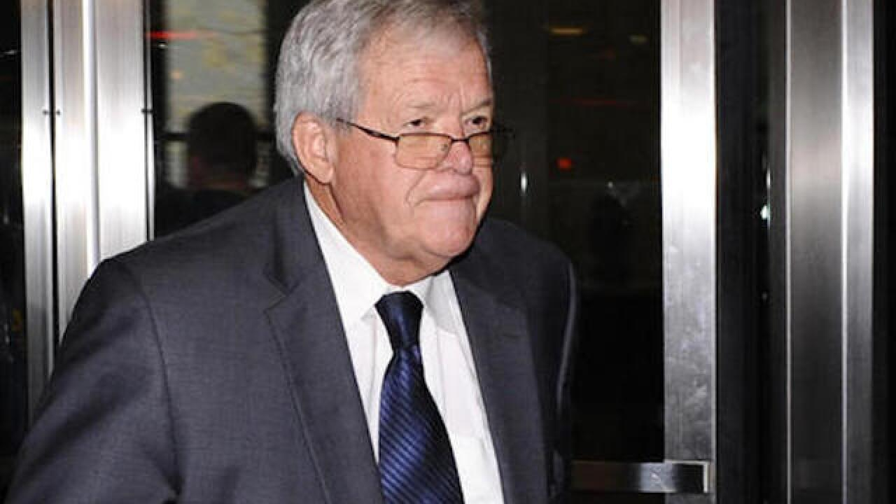 Hastert judge won't consider support letters unless public