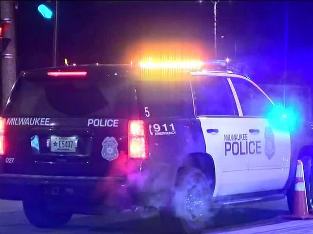 Milwaukee Police investigating 2 overnight shootings