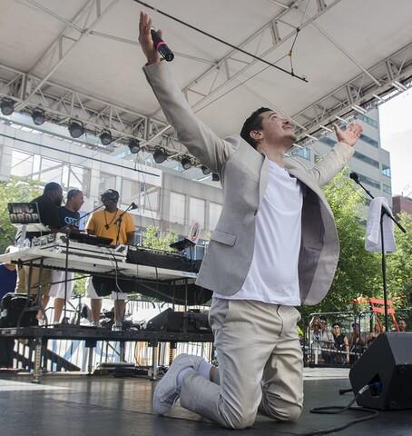 El DeBarge drops by Cincy Soul on Sunday