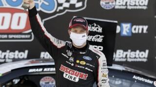 CORRECTION NASCAR Bristol Auto Racing