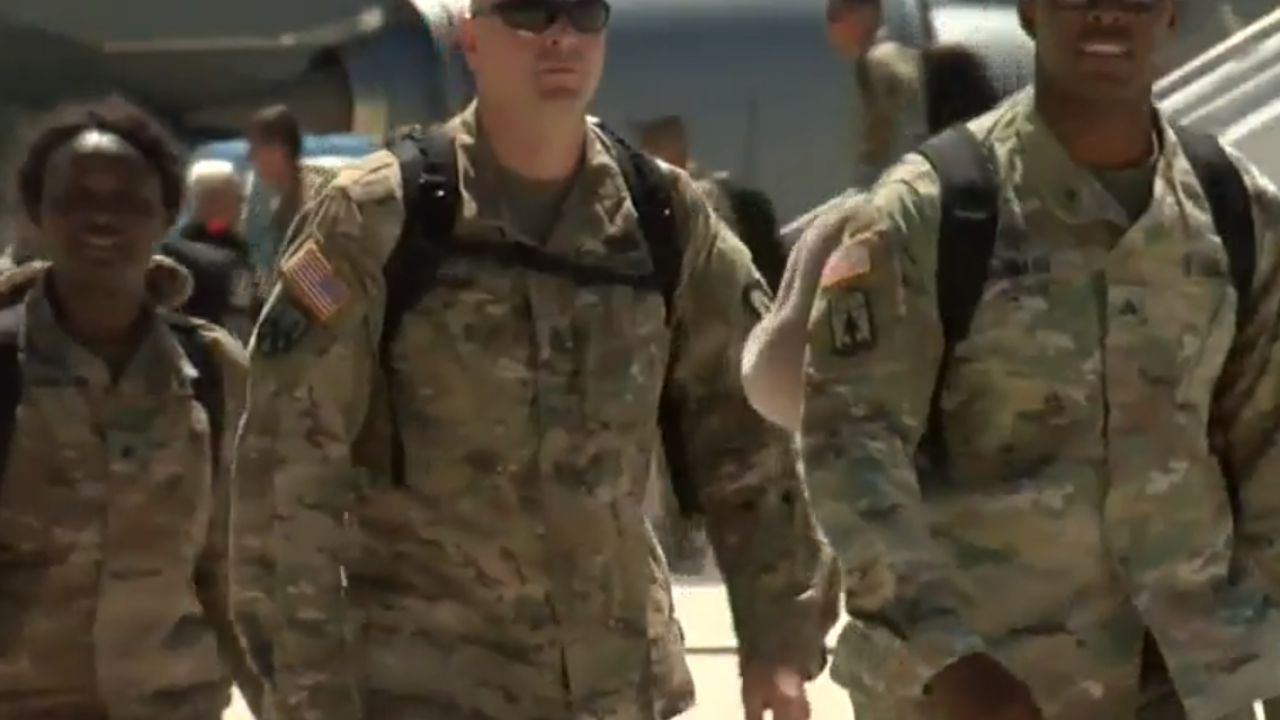 Wisconsin Army National Guard soldiers arrive in Milwaukee