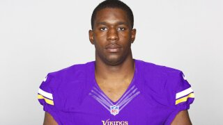 Broncos get pass rusher Stephen Weatherly in swap with Vikes