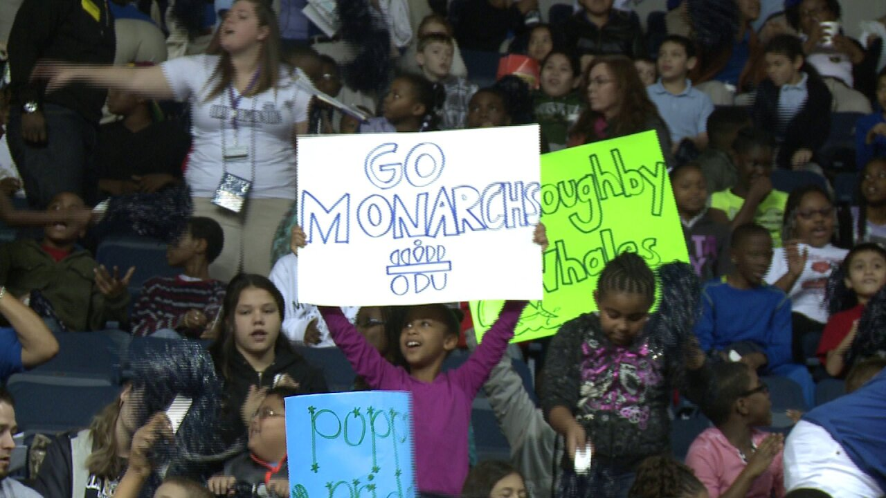 Hundreds of students cheer at Old Dominion University basketball game for annual EducationDay