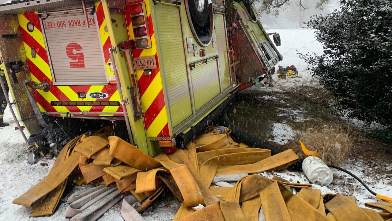 Crashed Henrico firetruck 01.jpg