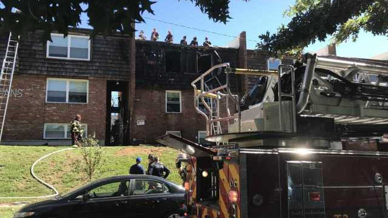Good Samaritans help rescue woman from apartment fire