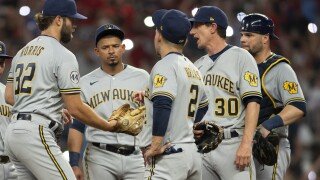 Brewers lose to Braves