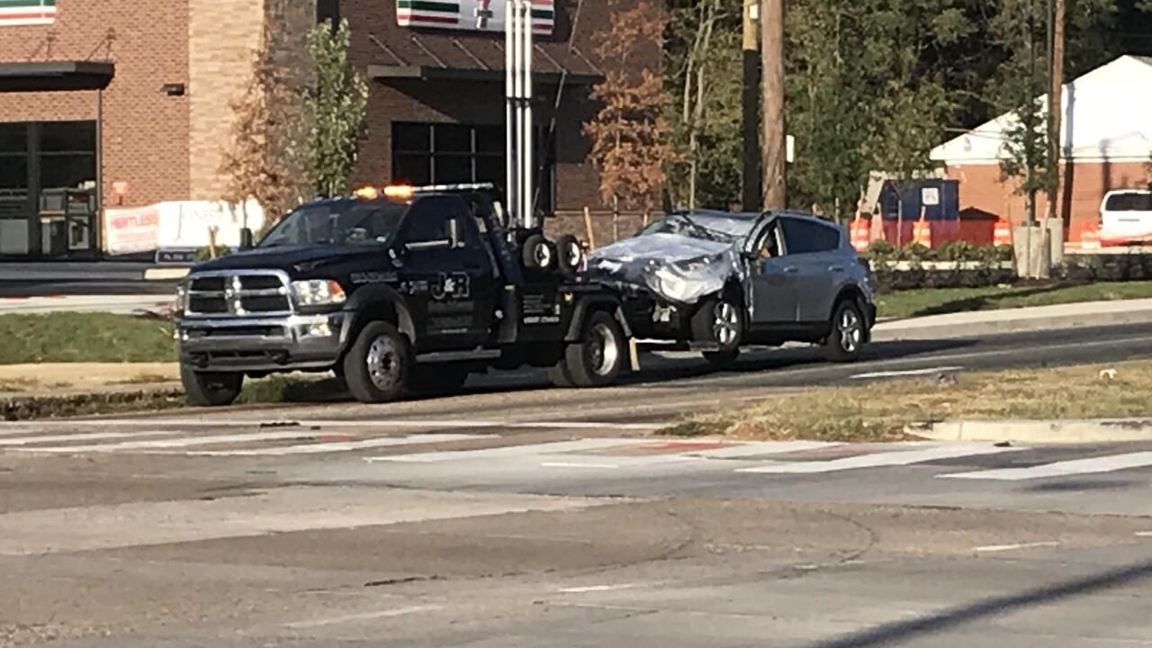 2 hurt after police chase ends in crash inHenrico