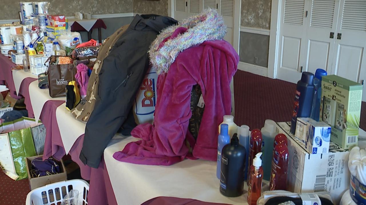 Annual 'giving tree' drive at Hellreigel's Inn brings in hundreds of donations for homeless shelter