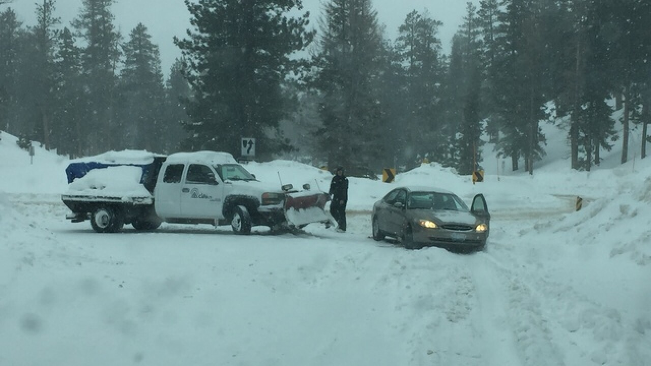 Lee Canyon closed; wind advisory in effect