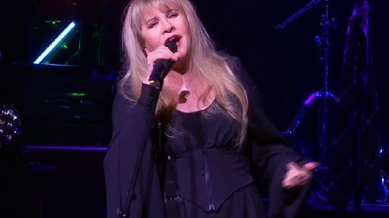 Stevie Nicks surprises 'School of Rock' crowd