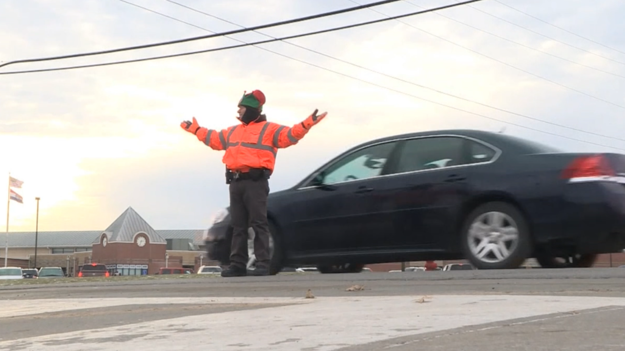Beloved crossing guard from small Missouri city gets big attention