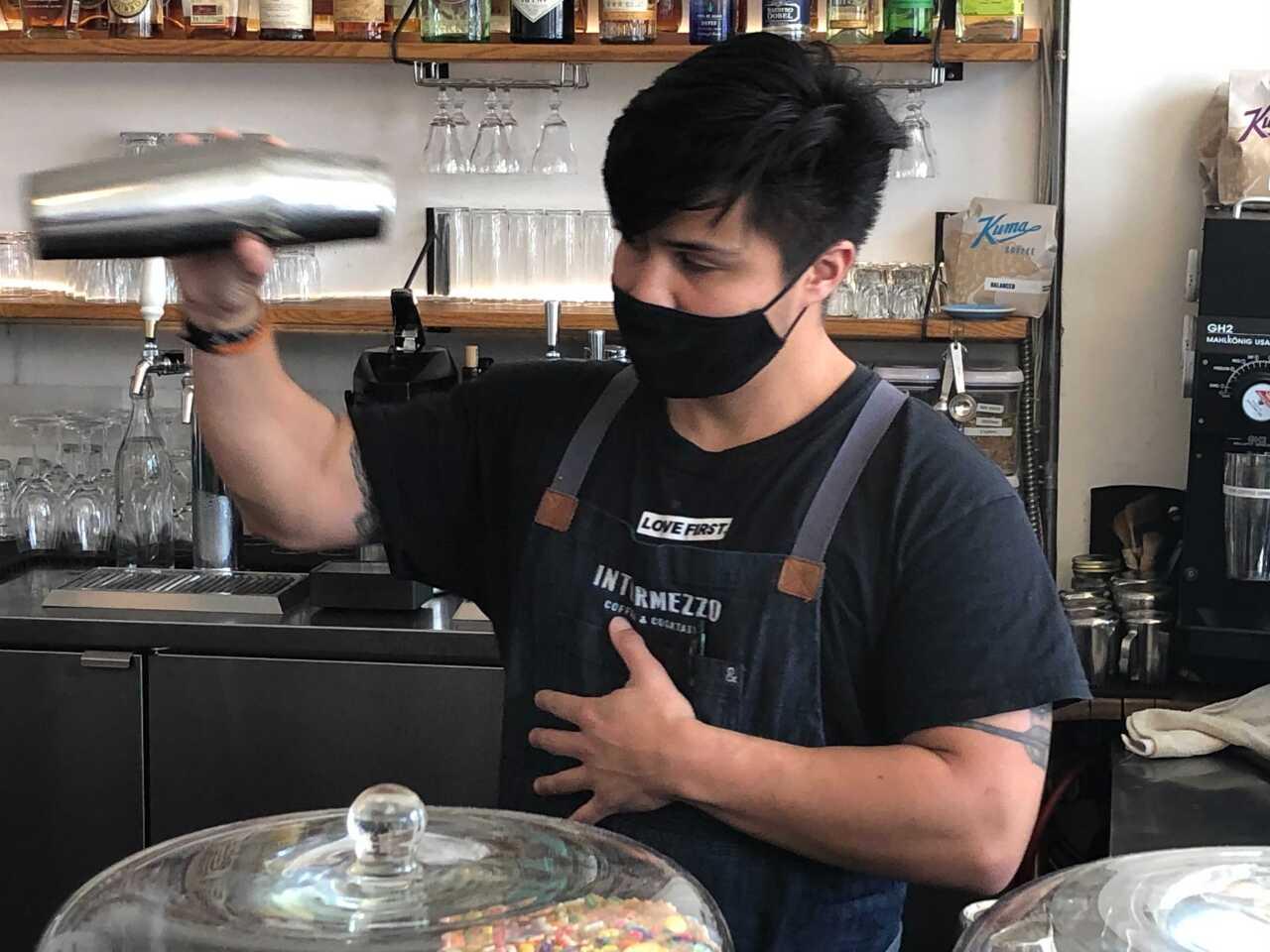 bartender-generic-to-go cocktails1.jpg