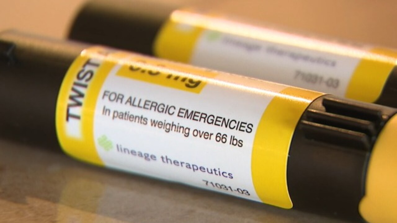 FDA clears way for generic EpiPen