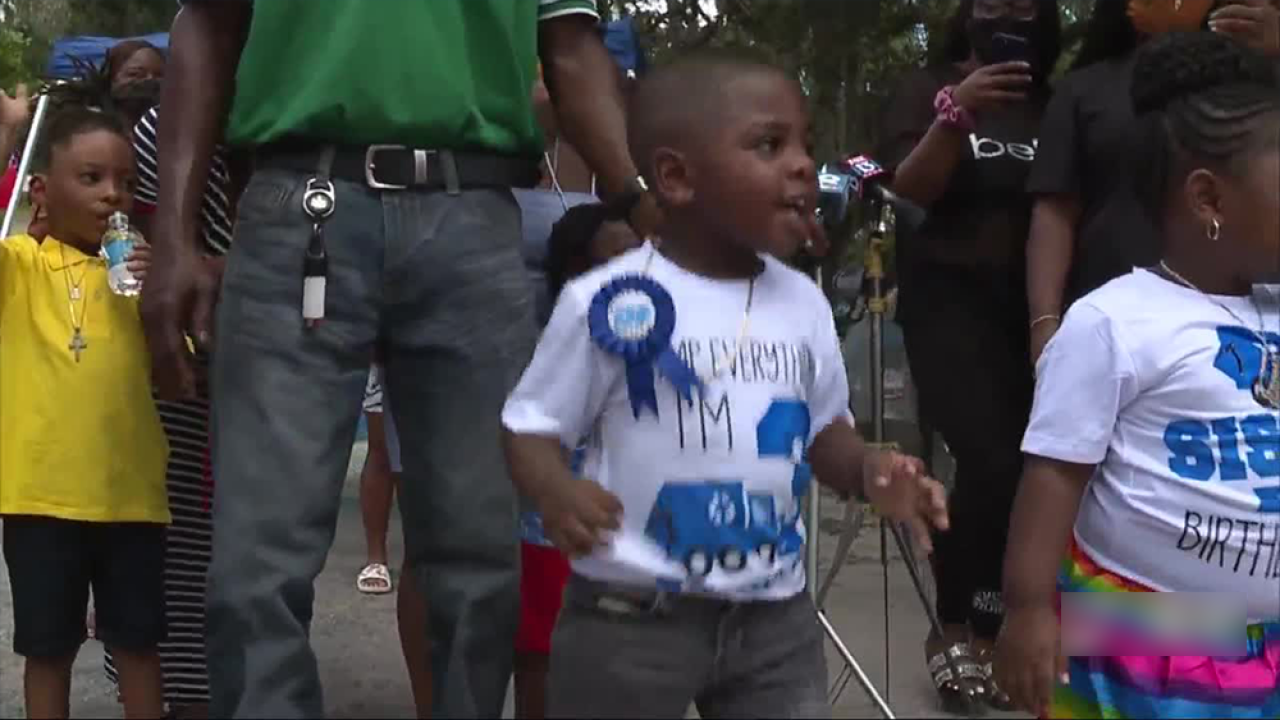 Florida garbage truck driver throws birthday surprise for 3-year-old boy