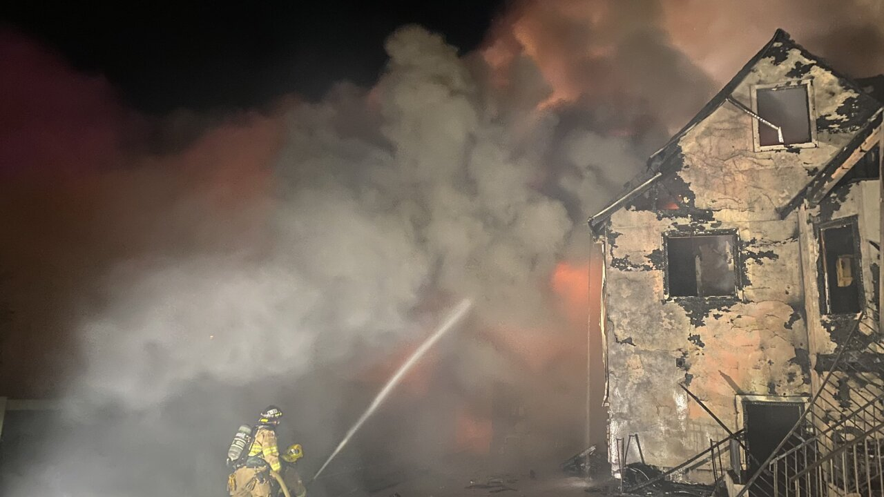 Crews battle early morning house fire in West Haven