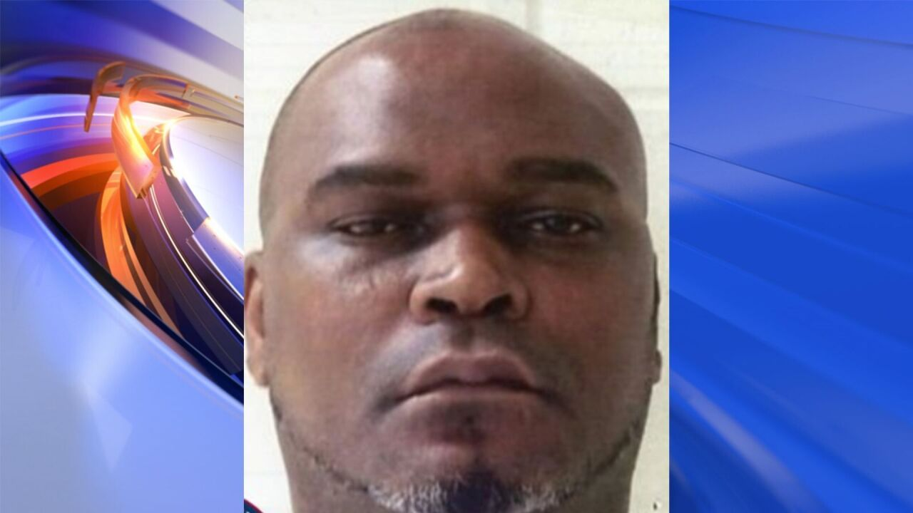 Violent sex offender from Portsmouth wanted after removing GPS bracelet, reportsays
