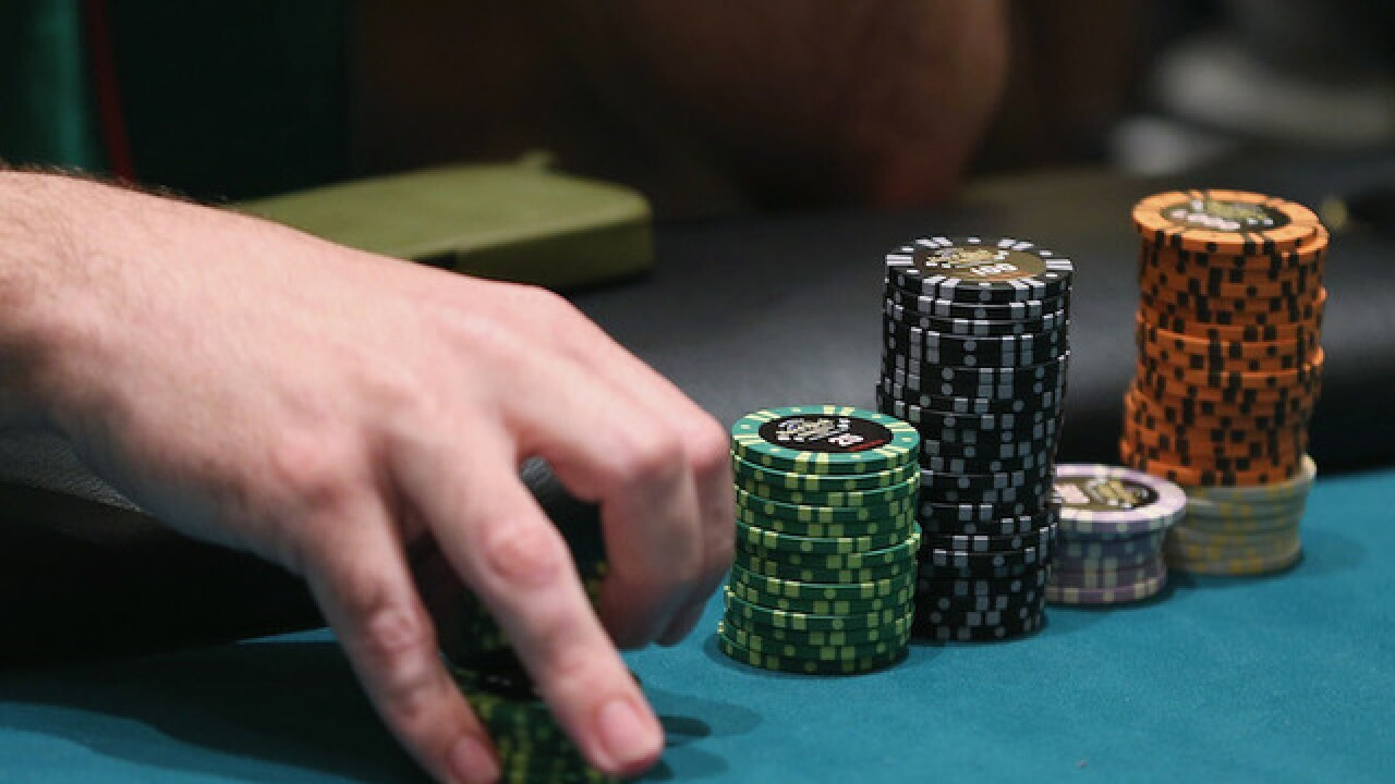 Michigan man wins $400,000 poker jackpot at MotorCity with losing hand