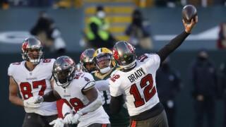 Tampa Bay Buccaneers QB Tom Brady throws 29-yard TD vs. Green Bay Packers in NFC Championship, Jan. 24, 2021