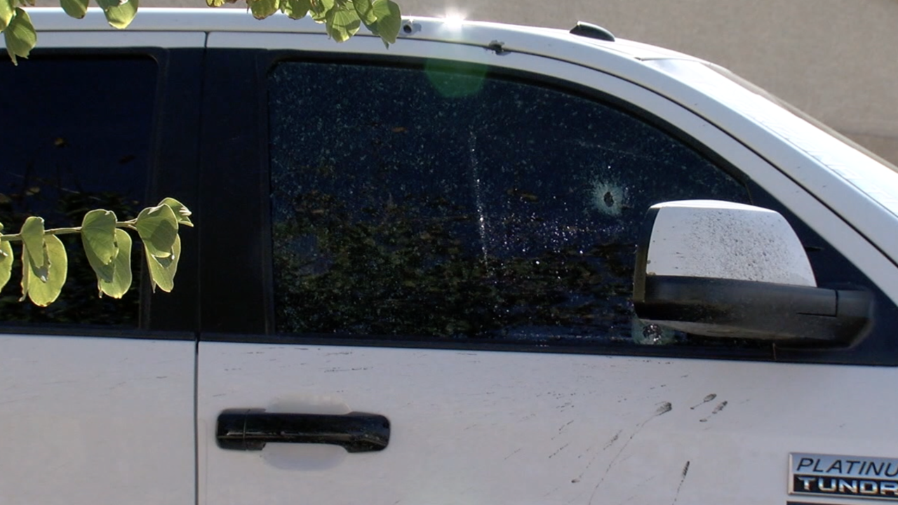 Police looking for driver who shot at family's pickup truck on I-17