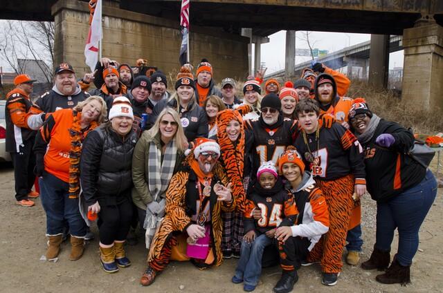 Bengals fans tailgate before season finale against Ravens