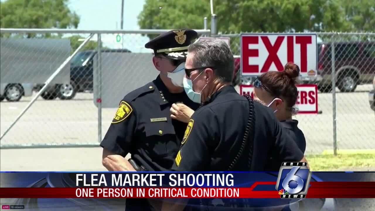 Five-wounded-San-Antonio-flea-market