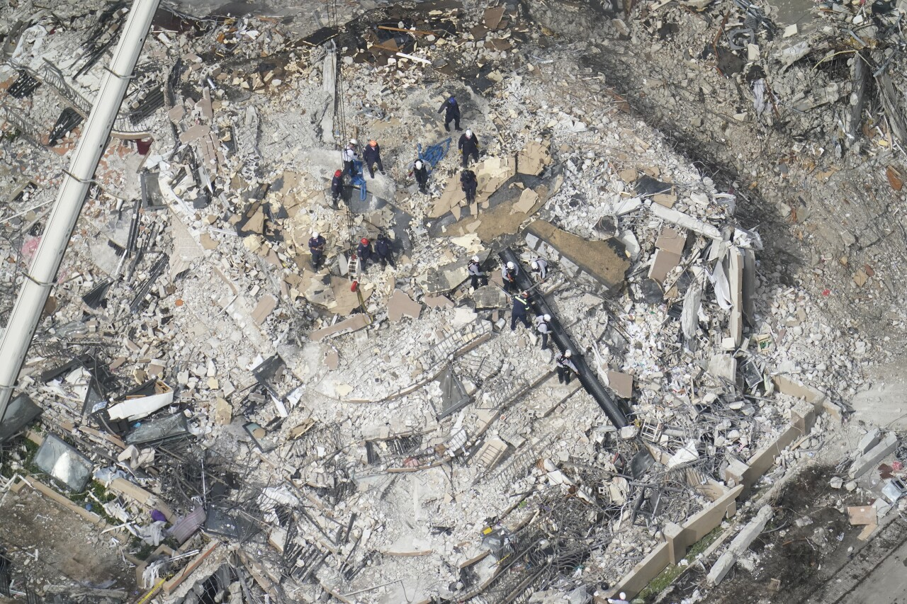 bird's eye view of workers at Champlain Towers South collapse site, June 26, 2021