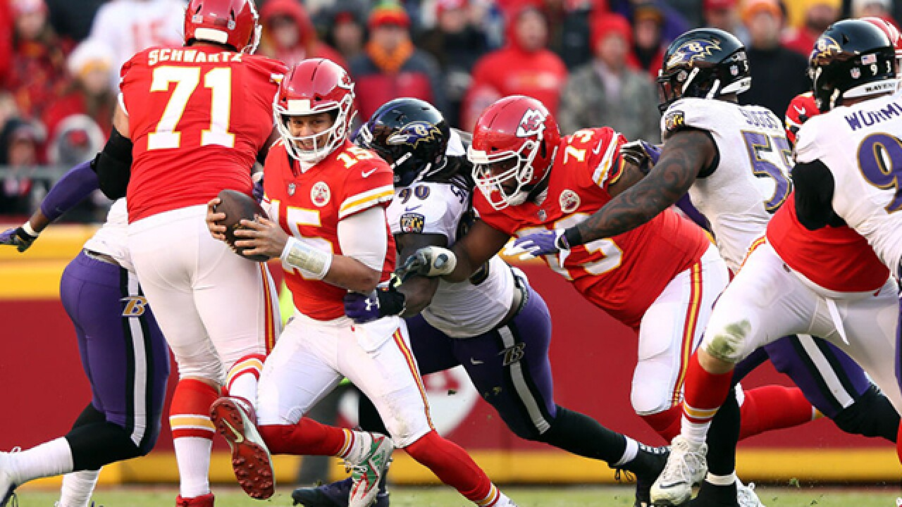 4th & 1: Chiefs punch playoff ticket in overtime