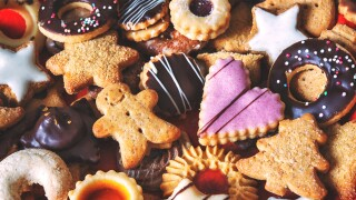 What 100 calories of Christmas cookies looks like