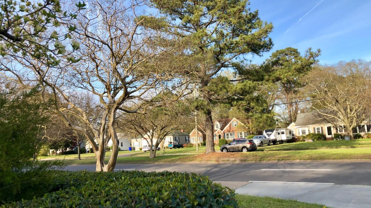 Two Norfolk neighborhood homes burglarized in the samenight