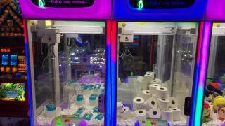 TP claw machine 1.JPG