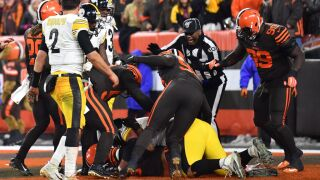 Report: Browns' Garrett accused Steelers QB Rudolph of using a racial slur