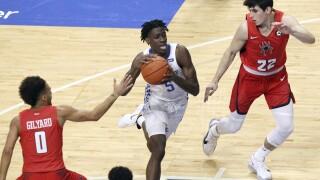 Kentucky Clarke Dies Basketball