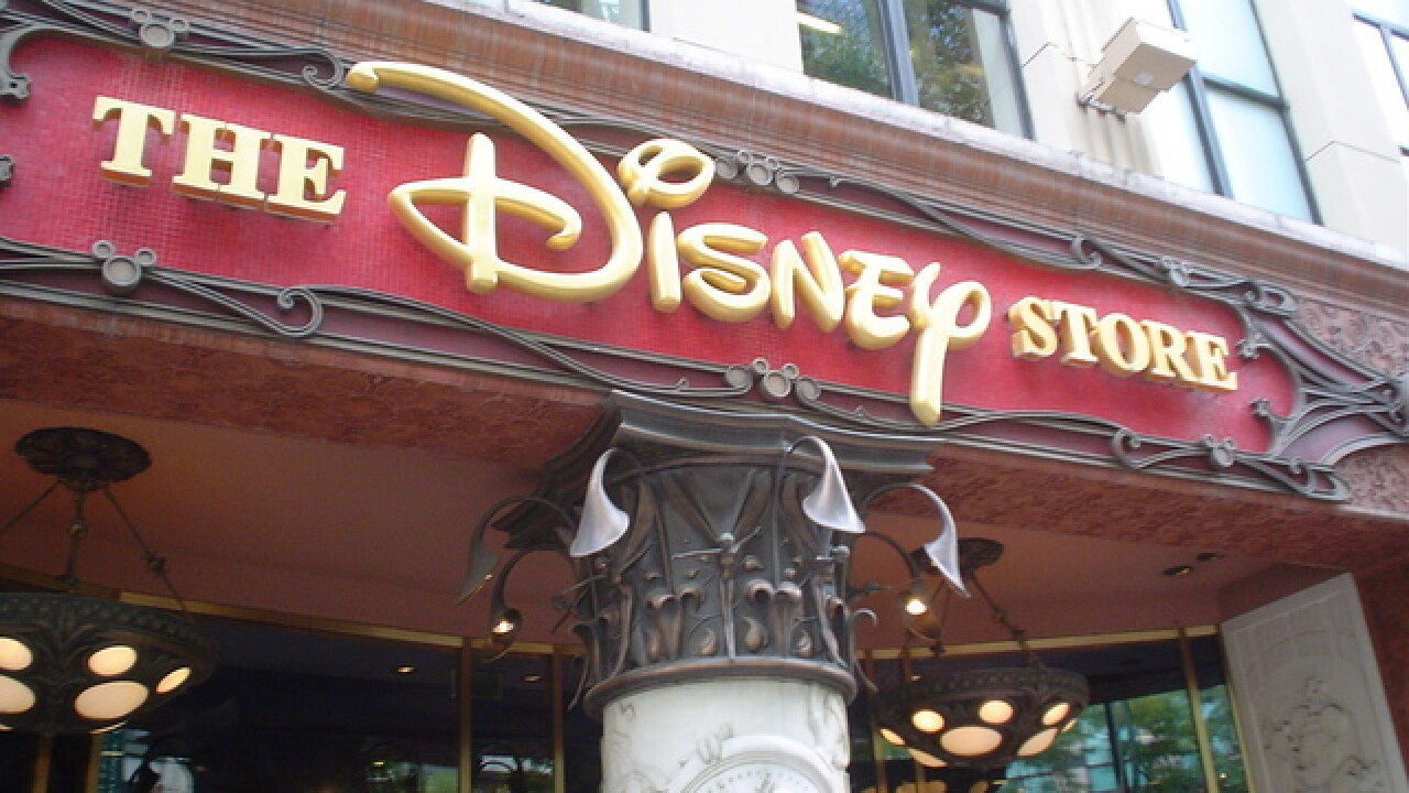 Extra 25 percent off $100 at the Disney Store