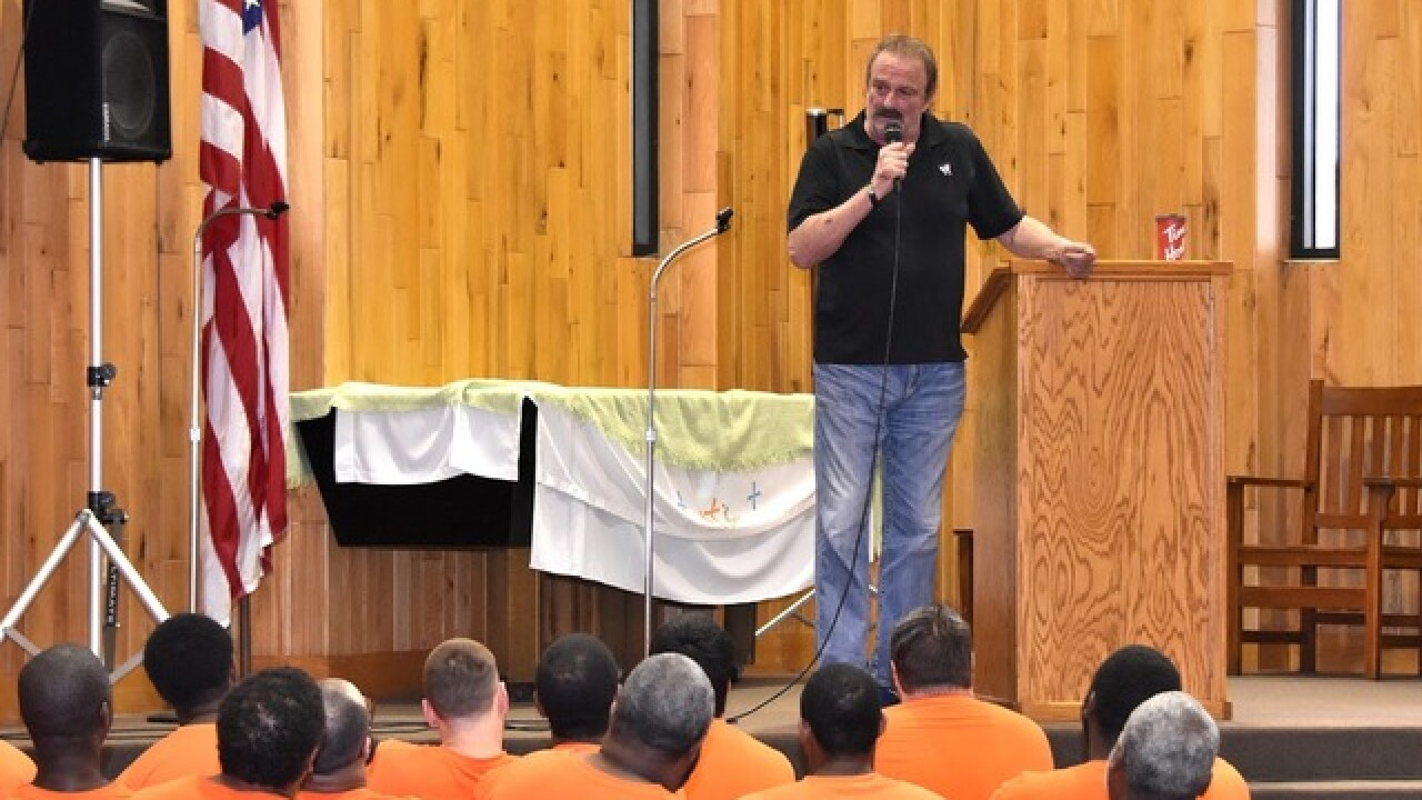 WWE Hall of Famer shares stories with EC inmates