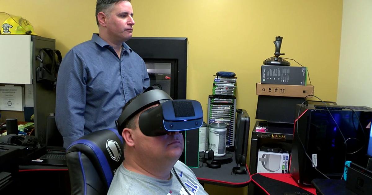 Treating pain through virtual reality