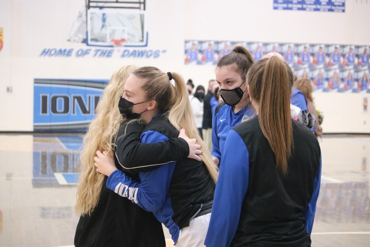 Ionia HS Volleyball team