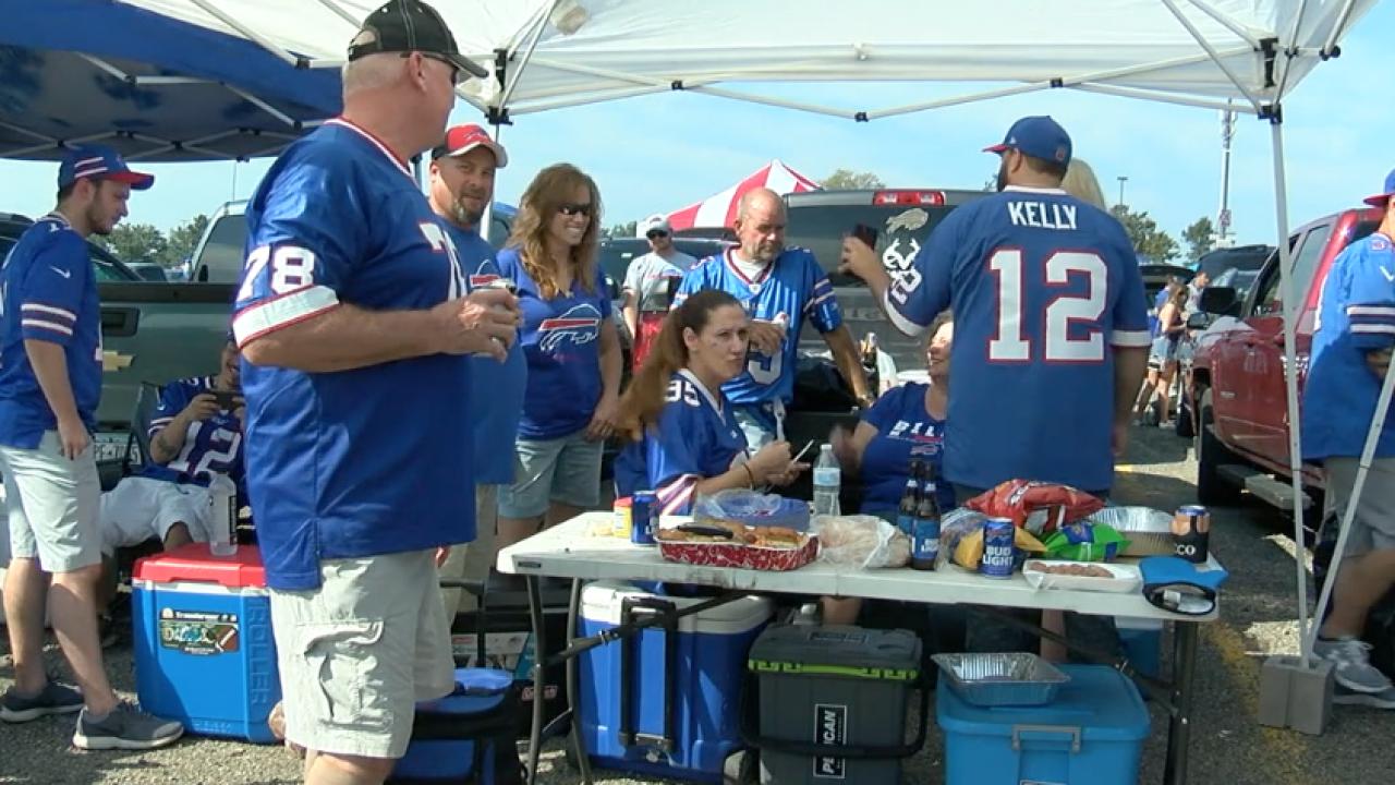Bills fans tailgating in 2019