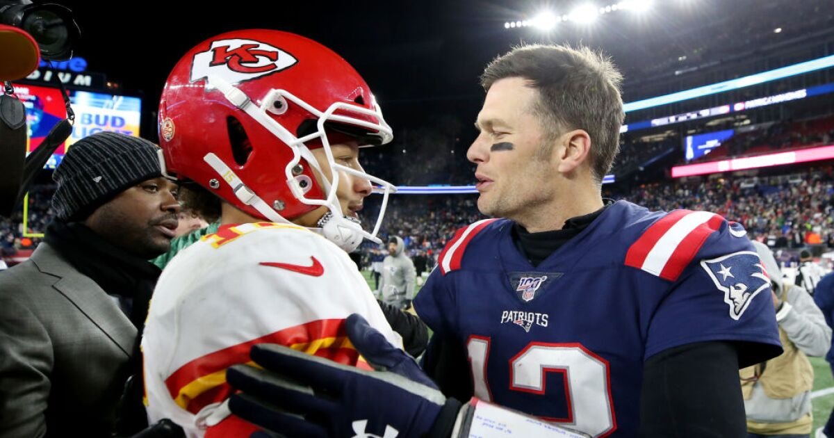 Final Chiefs Hold On To 23 16 Win Over Patriots